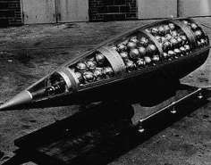 300px-Demonstration_cluster_bomb.jpg